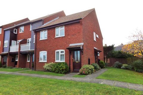 2 bedroom flat to rent - Sheringham