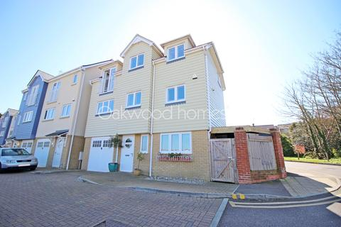 4 bedroom detached house for sale - Broadstairs