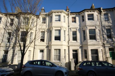 Studio to rent - BUCKINGHAM ROAD, BRIGHTON