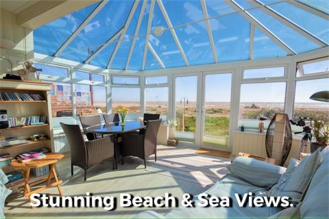 4 bedroom detached bungalow for sale - Beachfront, West Front Road, Pagham, PO21 4TA