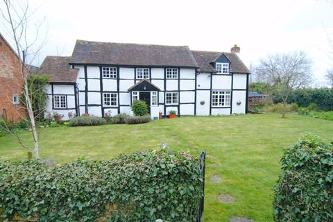 4 bedroom detached house for sale - The Timber House, Ashleworth, Gloucester