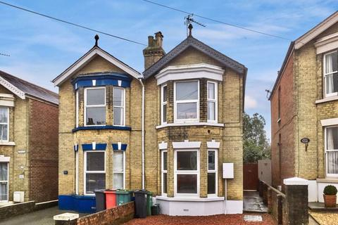 2 bedroom apartment to rent - Stephenson Road, Cowes