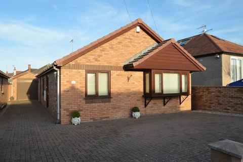 3 bedroom detached bungalow for sale - Alexandra Drive, Prestatyn