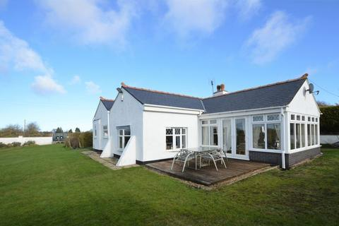 3 bedroom detached bungalow for sale - Brynford, Holywell