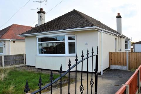 2 bedroom detached bungalow for sale - Gillian Drive, Rhyl