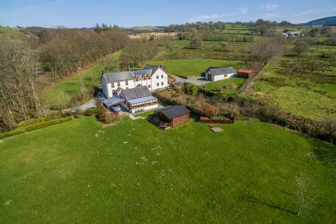 5 bedroom property with land for sale - Llanfair Clydogau, Lampeter, SA48
