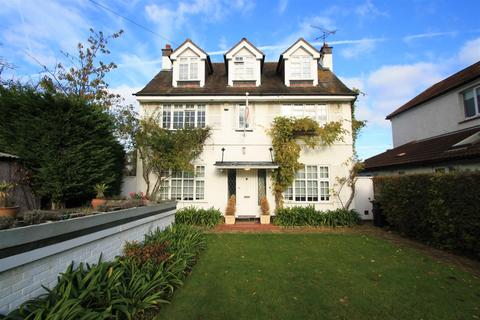 5 bedroom detached house to rent - Hamboro Gardens, Leigh-On-Sea