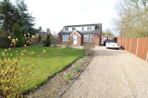 3 bedroom detached bungalow for sale - Hull Road, Seaton