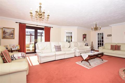 4 bedroom detached bungalow for sale - Epple Bay Avenue, Birchington, Kent