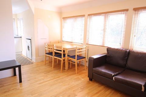 3 bedroom apartment to rent - West Ham Lane, London