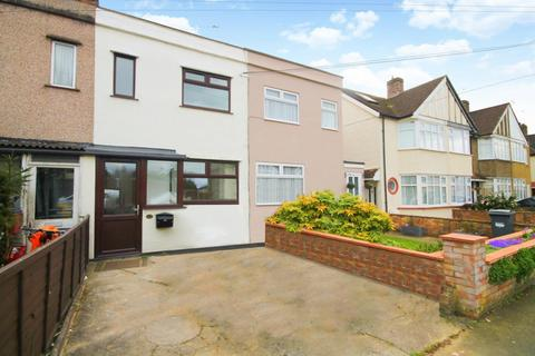2 bedroom terraced house for sale - Fernside Avenue, Feltham, TW13