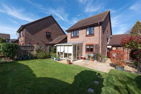 3 bedroom detached house for sale - The Limes, Bramley, Tadley, RG26