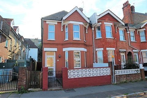 3 bedroom terraced house for sale - Langney Road, Eastbourne BN21