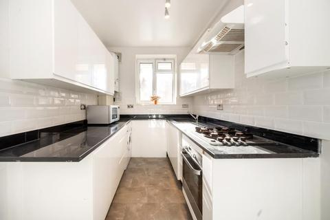 2 bedroom flat for sale - CRUICKSHANK HOUSE, NW8 6JY