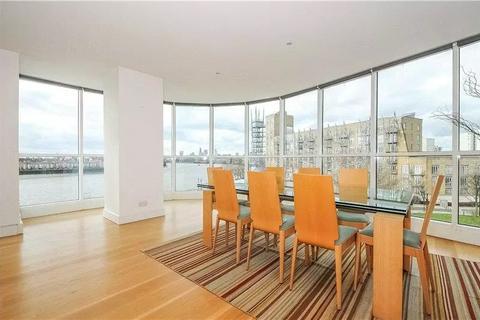 2 bedroom apartment to rent - Belgrave Court, 36 Westferry Circus, London, E14