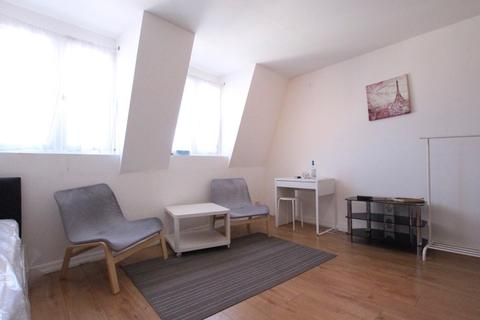 Studio to rent - Vartry Road, London