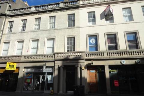 3 bedroom flat to rent - 31, 3/2 (Attic flat) Reform Street, , Dundee