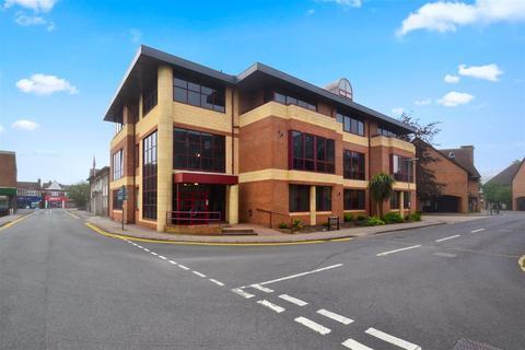 1 bedroom flat to rent - Consort Way, Horley