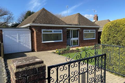 2 bedroom detached bungalow for sale - Ocklynge Close, Bexhill-On-Sea