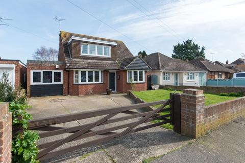 3 bedroom detached bungalow for sale - Mount Green Avenue, Cliffsend, RAMSGATE