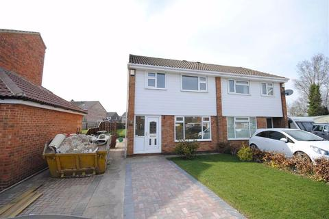 3 bedroom semi-detached house for sale - Dunrobin Avenue, Garforth, Leeds, LS25