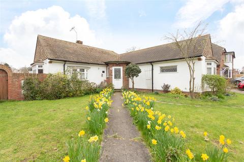 2 bedroom detached bungalow for sale - Alpha Road, Birchington