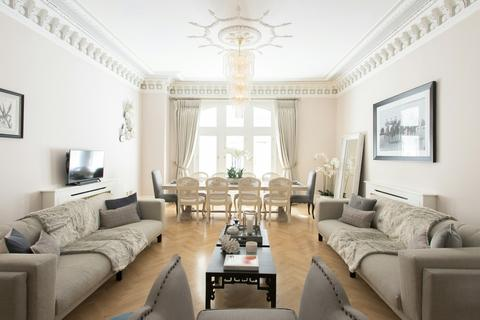 3 bedroom apartment to rent - Whitehall Court, Westminster, SW1A