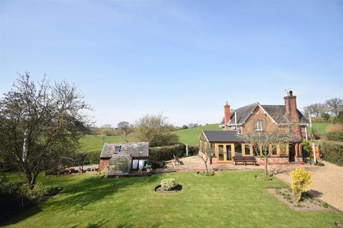 4 bedroom detached house for sale - New Station Cottage, Hanwood, Nr Shrewsbury SY5 8LJ