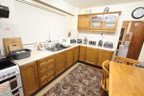 3 bedroom terraced house for sale - Tynewydd