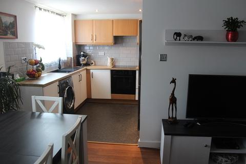 2 bedroom flat for sale - Leston Close, Rainham, Essex. RM13 9NF