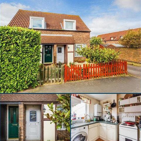 1 bedroom semi-detached house to rent - Rodney Road, WALTON-ON-THAMES, Surrey