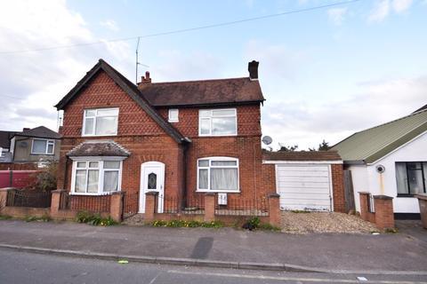 3 bedroom detached house for sale - Compton Avenue, Luton