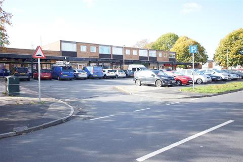 2 bedroom apartment to rent - Gleneagles Road, Great Sutton  CH66 4NF