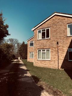 2 bedroom flat to rent - School Lane