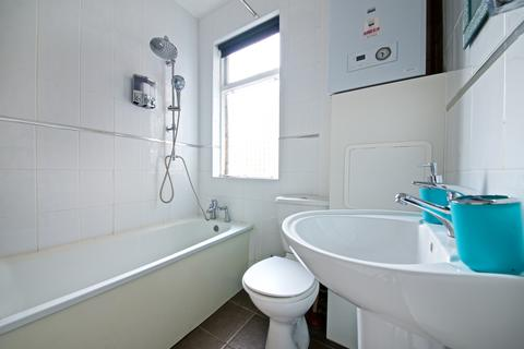 4 bedroom flat to rent - Lawrence Road, Liverpool L15