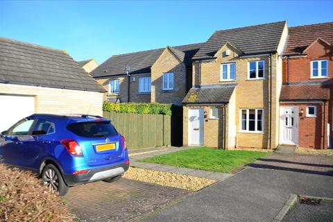 2 bedroom end of terrace house for sale - Pipit Close, ROYSTON, SG8