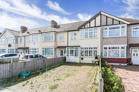 3 bedroom terraced house to rent - Baron Gardens, Barkingside, IG6