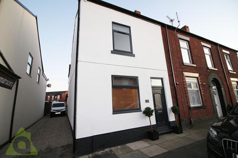 3 bedroom ground floor flat to rent - Ground Floor Flat, Church Street, Westhoughton, BL5