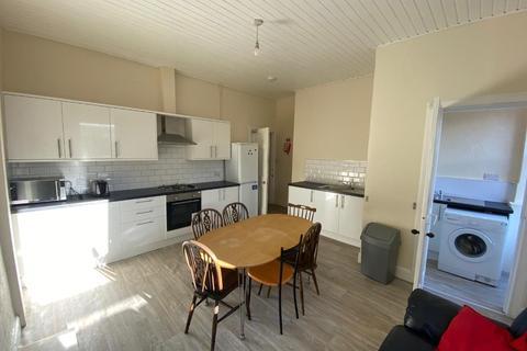 4 bedroom flat to rent - Viewforth, Bruntsfield, Edinburgh, EH10