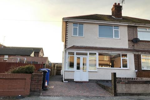 3 bedroom semi-detached house to rent - Brynhyfryd Avenue, Rhyl