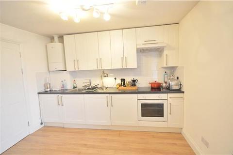 1 bedroom flat to rent - Balham High Road, Tooting Bec, London, SW17 7BA