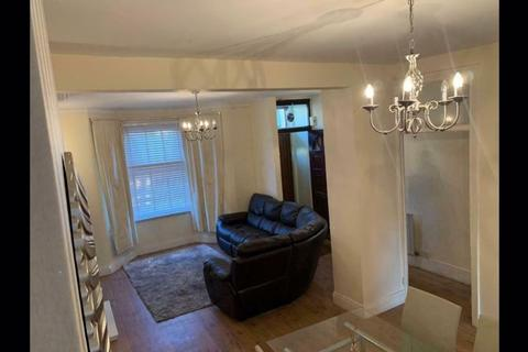 3 bedroom house to rent - Westwood Road, Ilford