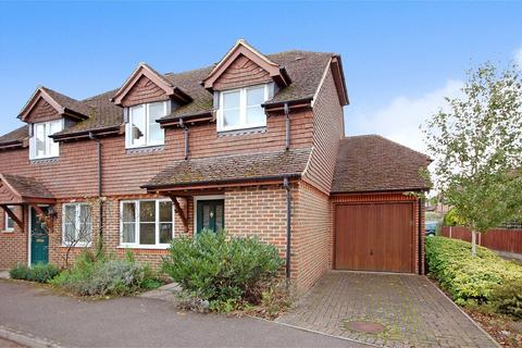 3 bedroom semi-detached house to rent - Low Lane, Badshot Lea, Farnham, GU9