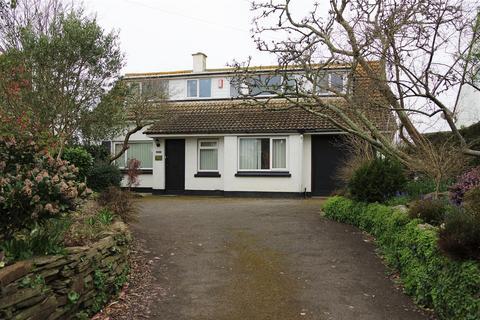 4 bedroom detached house to rent - Barbican Road, Looe