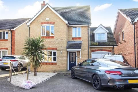 4 bedroom house for sale - Ladysmith Grove, Seasalter, Whitstable