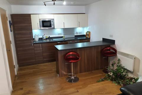 3 bedroom apartment to rent - Jefferson House, 33 Park Lodge Avenue, West Drayton, Middlesex, UB7