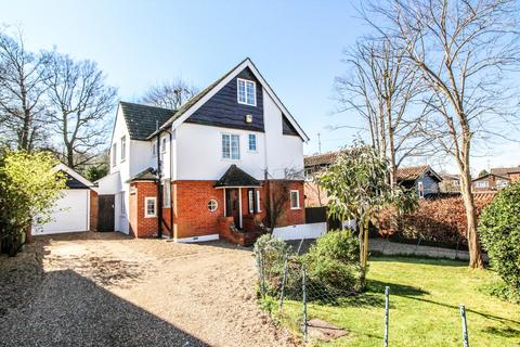 5 bedroom detached house for sale - Headley Chase, Warley, Brentwood, Essex, CM14