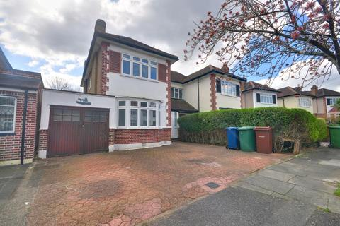 3 bedroom semi-detached house to rent - St. Michaels Crescent, Pinner, HA5 5LG