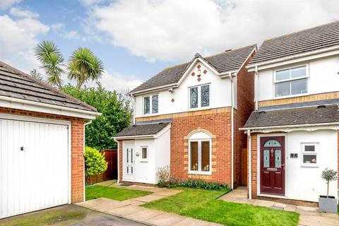 3 bedroom detached house for sale - Brough Close, Richmond Road, Kingston Upon Thames, KT2