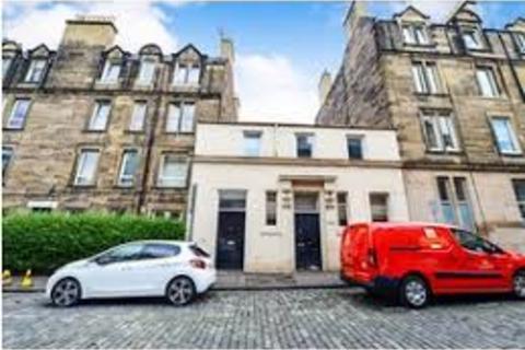 4 bedroom flat - Wheatfield Street, Gorgie, Edinburgh, EH11 2NY